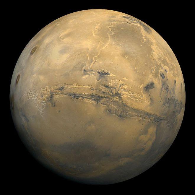 800px-Mars_Valles_Marineris_EDIT
